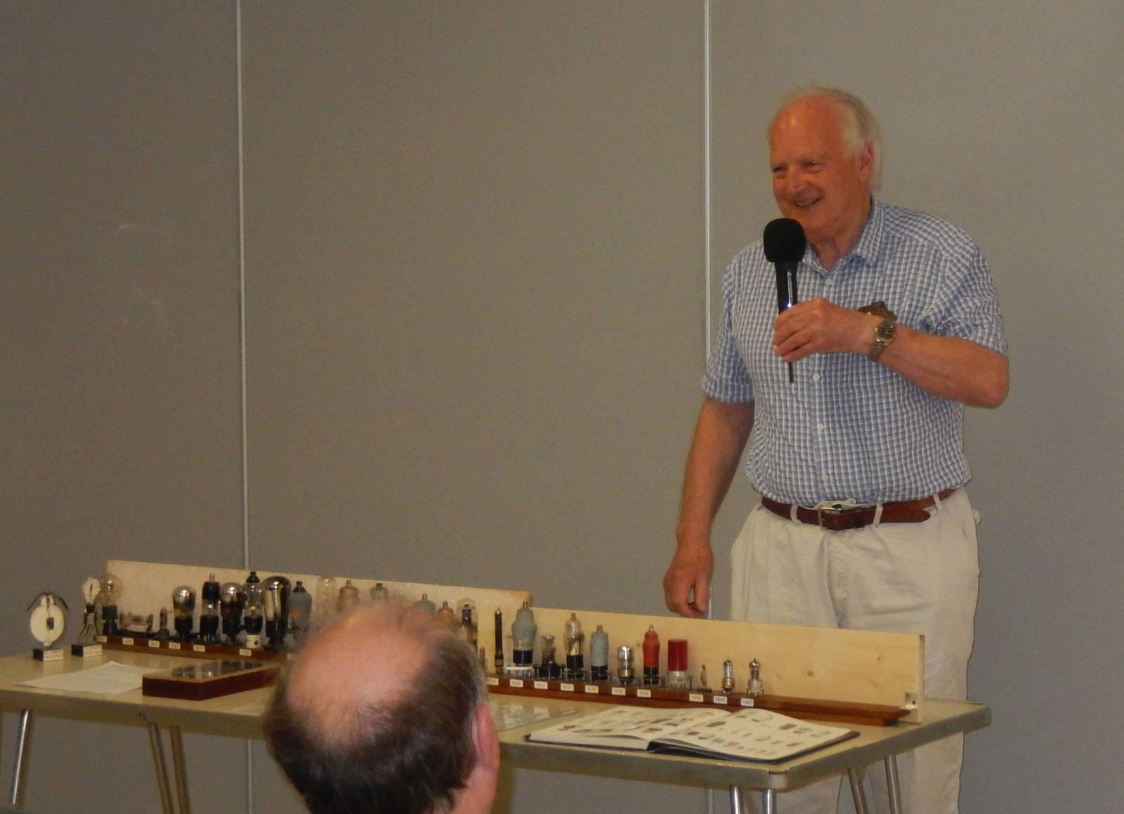 Peter G4JNU talking about his valve display 2017.