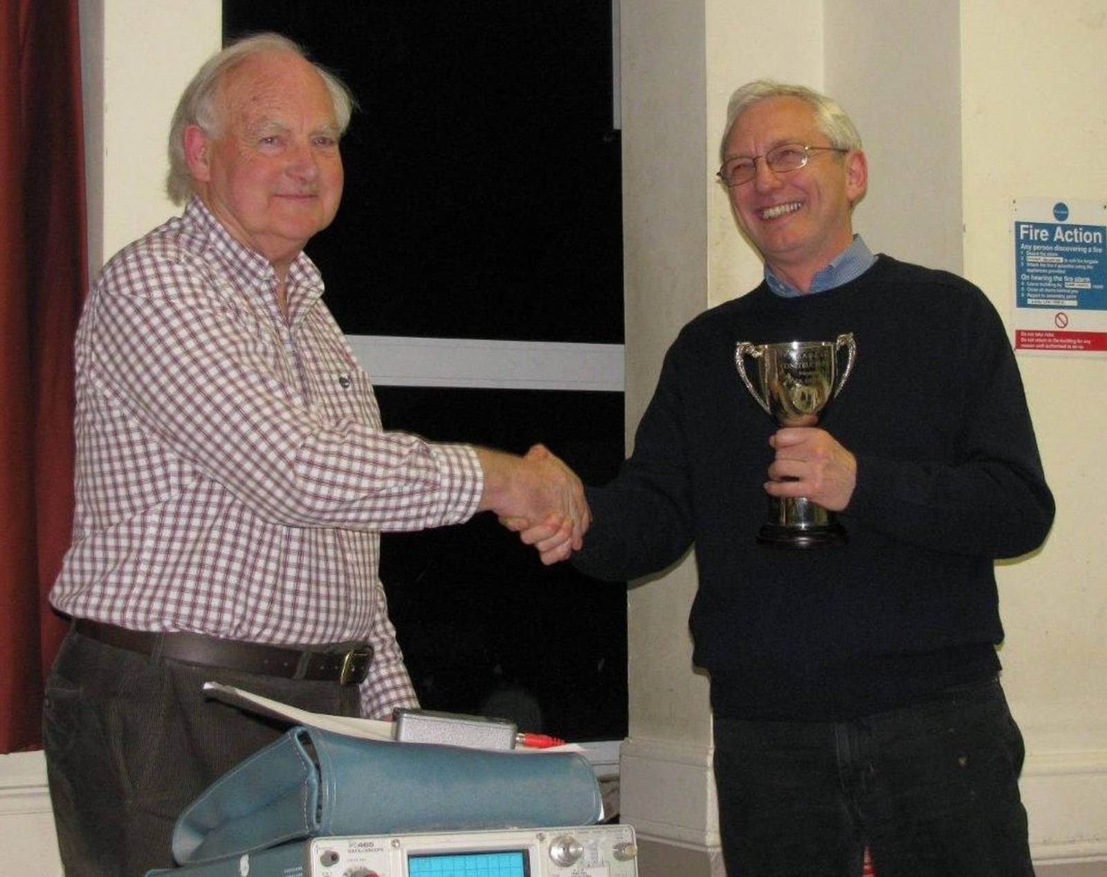 Construction Contest 2013 - Peter presenting first prize to Jim G0LHZ